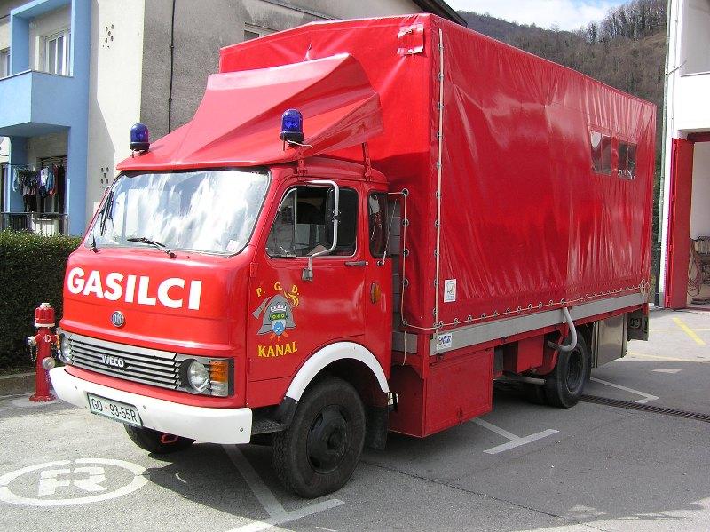 www.pgd-kanal.si/images/phocagallery/vozila/OM/oprema%20021.jpg